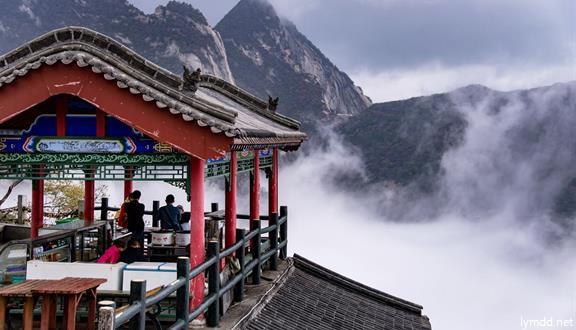西安+回民坊+兵马俑+华山+潼关黄河+大雁塔+双卧5天4晚跟团游