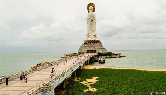 三亚+呆呆岛+爱立方滨海乐园+南山+兴隆热带植物园+槟榔谷 双飞5天4晚跟团游