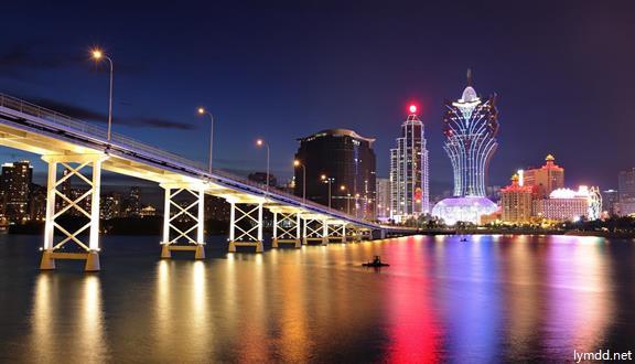 香港+澳门+广州+珠海+桂林+阳朔+韶山 双卧9天8晚跟团游
