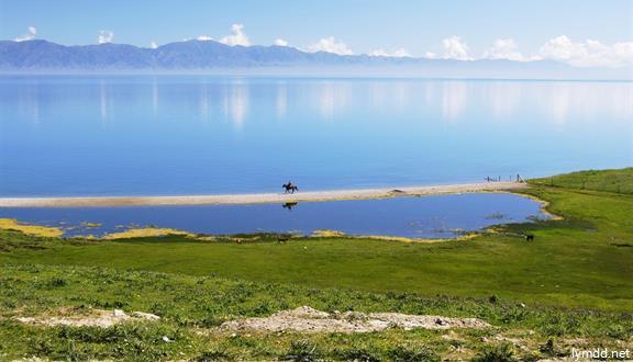 享?趣新疆.南北疆尊贵双环游、尽享新疆美景美食16日15晚跟亚博体育安卓