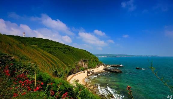 广西【涠美边境】德天+通灵+北海涠洲岛火车往返8日5晚跟团游